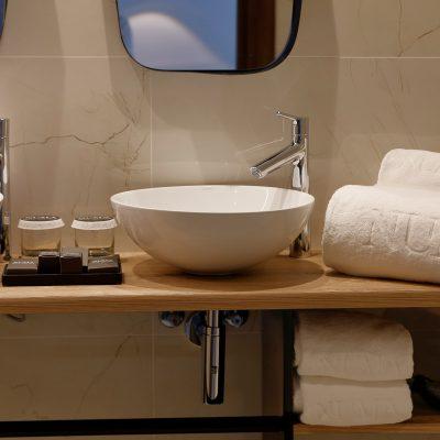 numa_hotel_boutique_suite_junior_bano_2